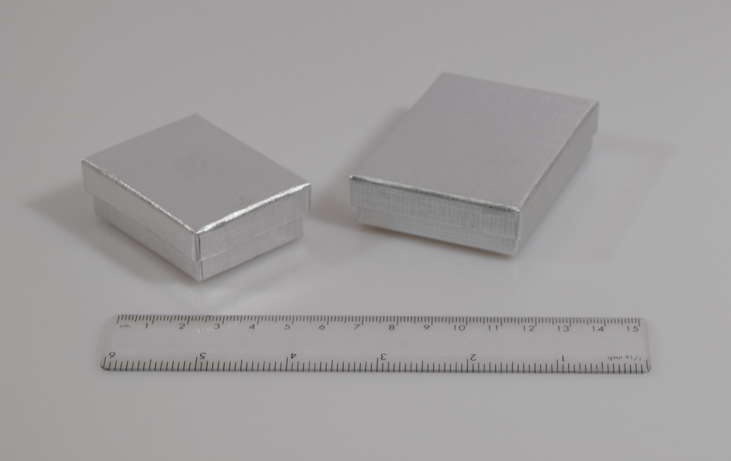 Two sizes of silver colour gift box with separate lid
